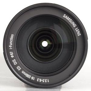 18-200mm f/3.5-6.3 ED OIS
