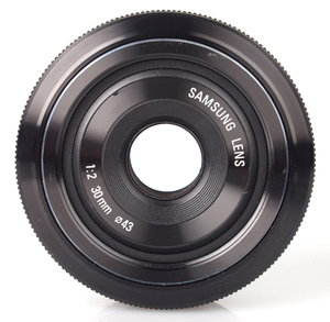 30mm f/2.0 NX Pancake