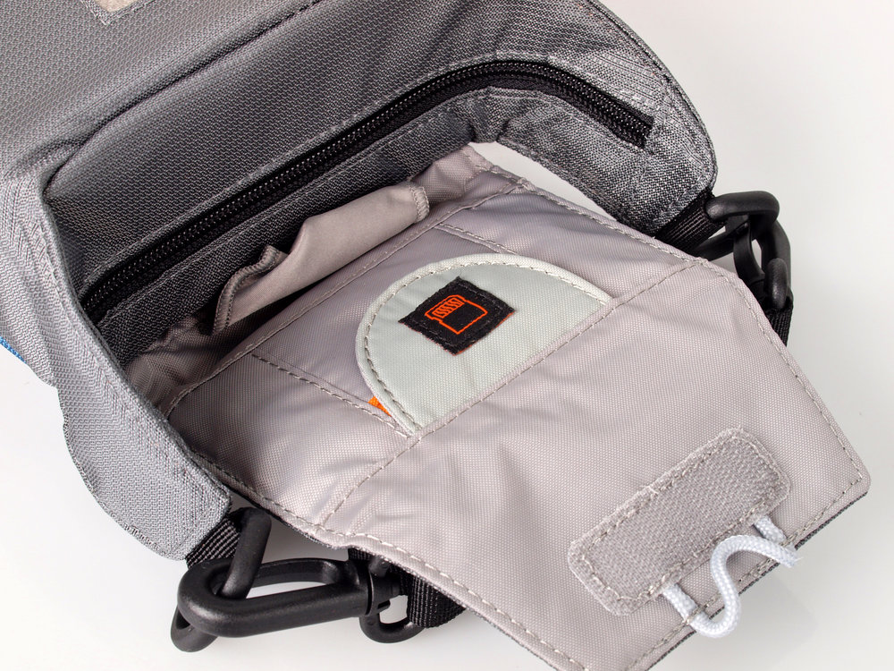 eea7b441e7 Lowepro Compact Courier 70 Images