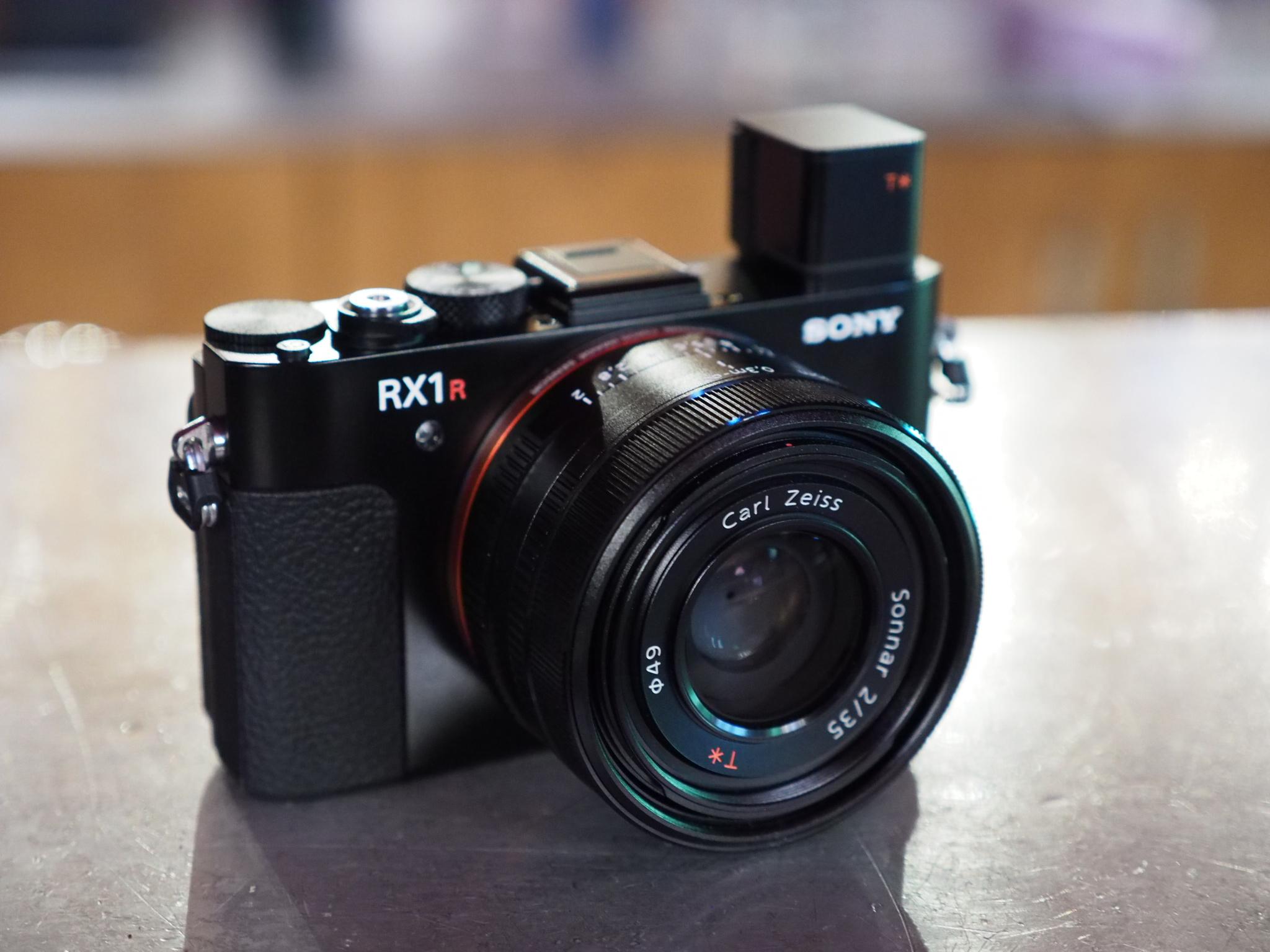 Sony RX1R II Cyber-Shot Vs Sony RX1 Cyber-Shot Vs Sony RX1R Cyber-Shot