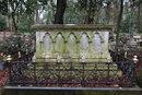 Graveyard Detail | 1/100 sec | f/4.0 | 35.0 mm | ISO 1600