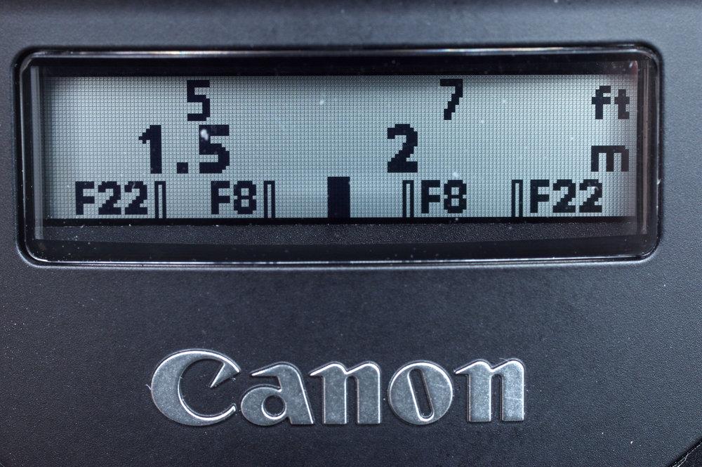 canon_ef_70-300mm_is_II_usm_electronic_display_1_1497258905.jpg