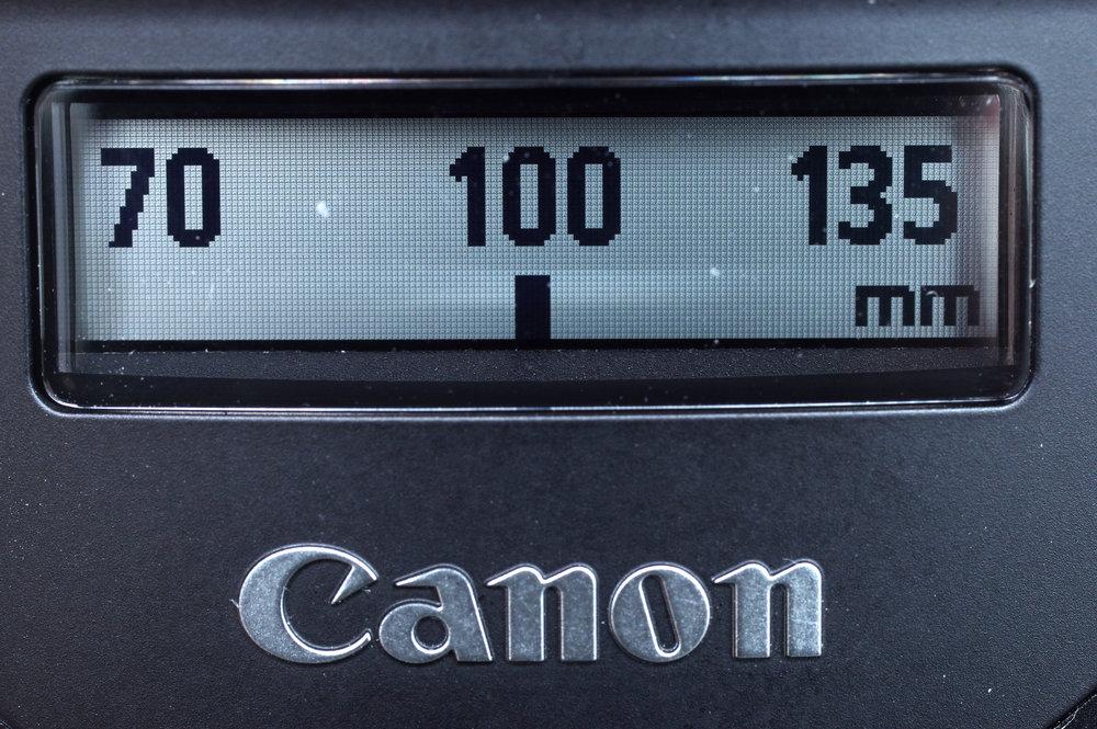 canon_ef_70-300mm_is_II_usm_electronic_display_2_1497258925.jpg