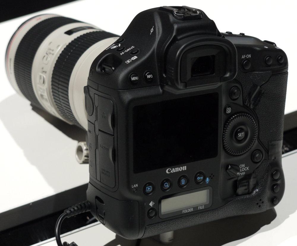 Canon EOS-1D C Images