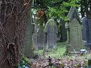 Gravestones F11   1/10 sec   f/11   40.0 mm   ISO 200