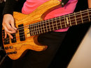 Leica DG 10 25mm F1,7 Bass Guitar | 1/500 sec | f/3.2 | 25.0 mm | ISO 3200