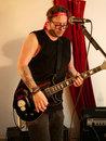 Leica DG 10 25mm F1,7 Ben Jones Lead Guitar With Precious McKenzie | 1/200 sec | f/3.2 | 25.0 mm | ISO 3200