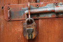 Texture In Old Padlock | 1/4 sec | 85.0 mm | ISO 100