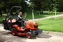 Grass Cutting   1/2000 sec   f/4.0   35.0 mm   ISO 400