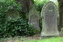 Gravestones   1 sec   f/16.0   101.0 mm   ISO 100