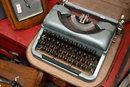 Typewriter   1/50 sec   f/4.0   47.0 mm   ISO 1000
